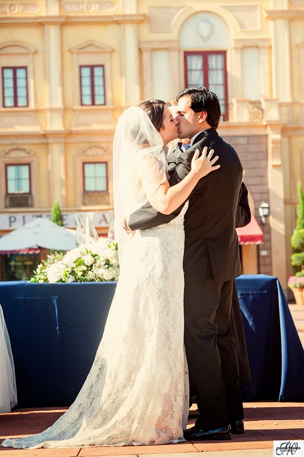 Epcot Wedding at the Italy Pavilion: Kelsey + Robert